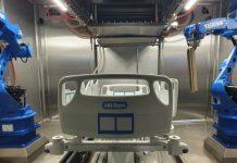 Ziekenhuisbedden reinigen met robots